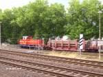 NE Neusser Eisenbahn/16229/ein-wenig-spaeter-zieht-sie-ein Ein wenig später zieht sie ein Stahlröhrenzug raus.01.08.06